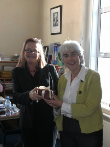 Teacher, Kate O' Neill makes presentation to Maureen O' Sullivan